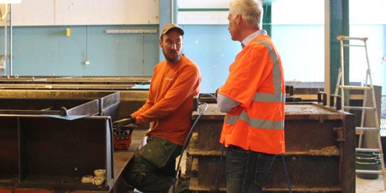 Per Ingeson, vice VD och försäljningschef på Skandinaviska Byggsystem inledde Fokusveckan med ett besök på Peab PGS fabrik i Ängelholm.